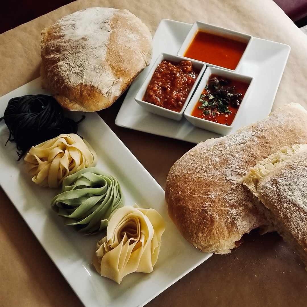 il Capriccio Italian bread and pasta trays